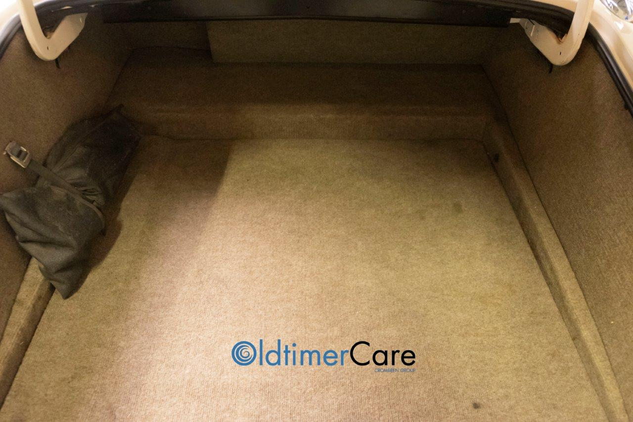 Oldtimer Care & Sales Jaguar XJS V12, automaat
