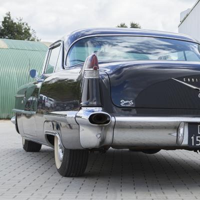 Oldtimer Care & Sales Cadillac Coupe de Ville 62